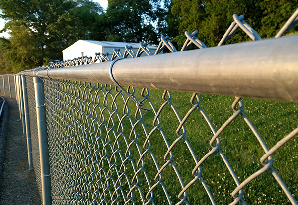 5 Tips on Installing a Chain Link Fence